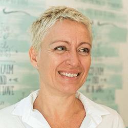 Isabel Planells, ponente